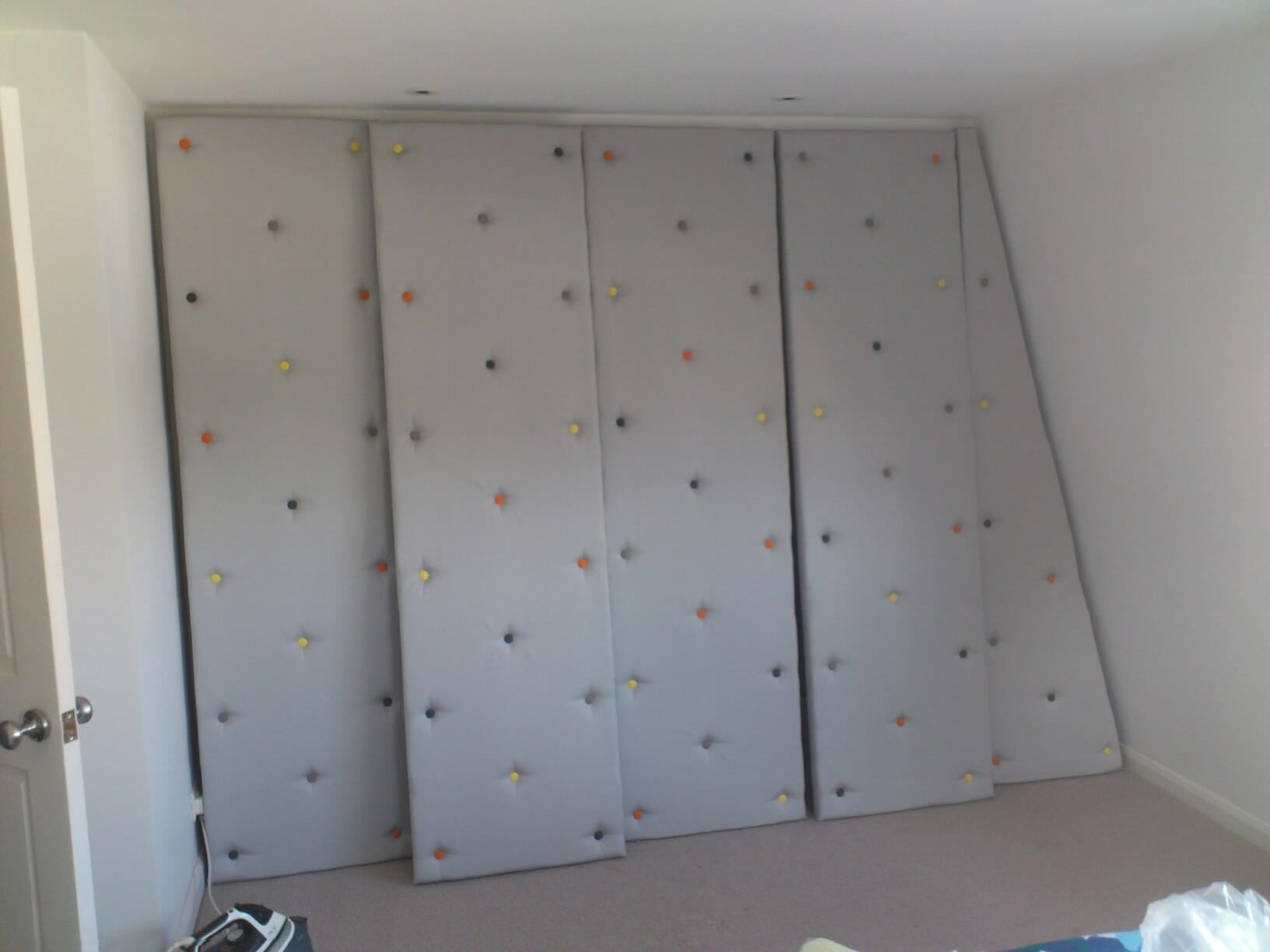 Incroyable Padded, Buttoned Wardrobe Doors